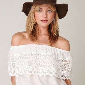 FREE PEOPLE IBIZA Off Shoulder Crochet dress Top M